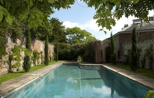 Swimming pool construction build restoration